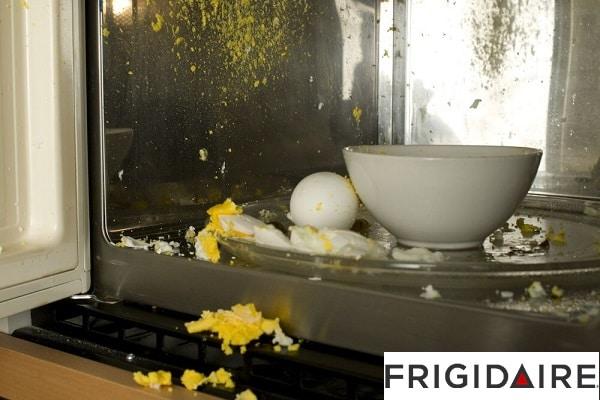 تخم مرغ در مایکروفر